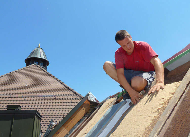 Efficient roof renovation with the reliable PAVATEX system solution
